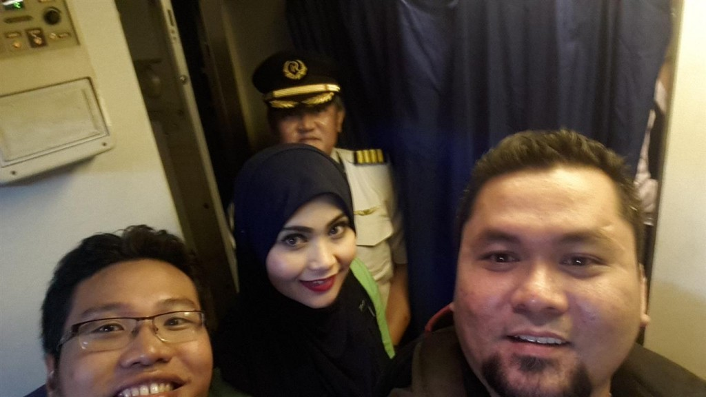 Pilot Stewardess Rayani Air